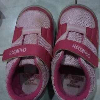 Preloved sepatu oshkosh anak auth