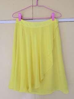 H&M bright yellow skirt