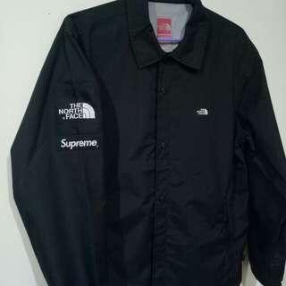 Supreme X TNF 教練外套