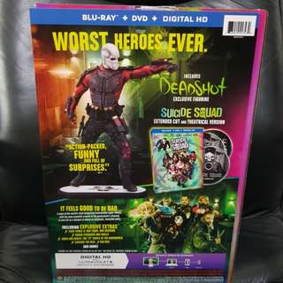 Suicide Squad Amazon Exclusive Collector's edition with dc collectibles movie deadshot statue and Bluray