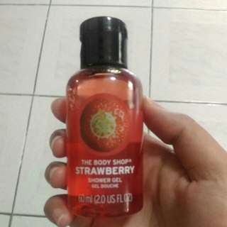 The body shop 🍓 shower gel
