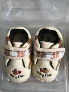 Baby kiko Shoes size 2 (new)