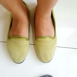 Solemate size 8 green