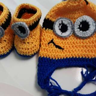 Crochet Minion Beannie and Boots