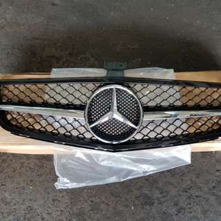 W204 (facelift) AMG front grille