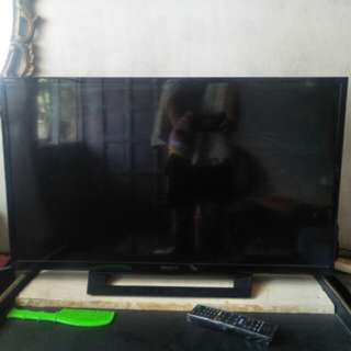 Sony bravia 32inches flat screen TV