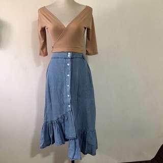 Wrap top & ruffled denim skirt