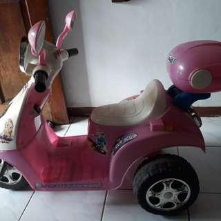 motor aki pink