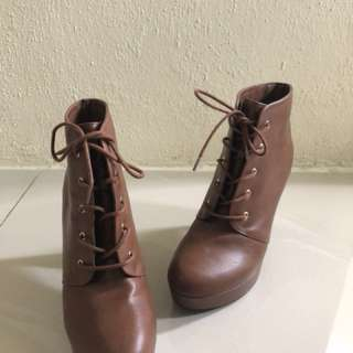Authentic Forever 21 Brown Boots