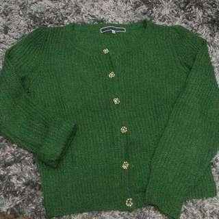 Green Rajut Sweater Tebal
