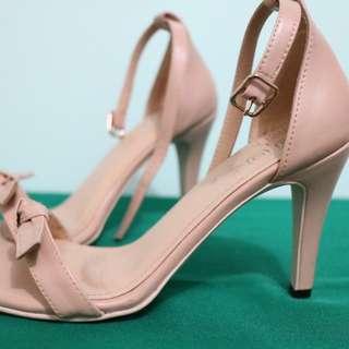 Hue strap heels