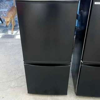 Sharp refrigerator black