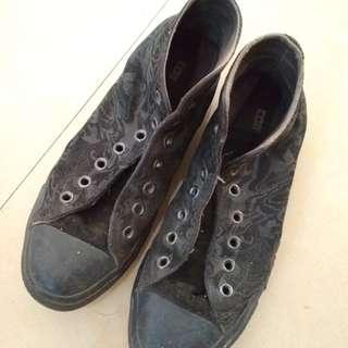 Sepatu Converse Black Limited Edition Size 40 Original