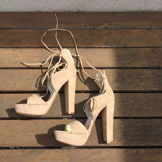 Brand new Windsor Smith nude heels