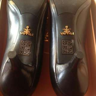 Authentic Prada Shoes 37.5
