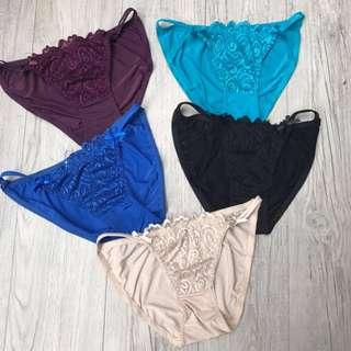 Bikini with lace design (medium)
