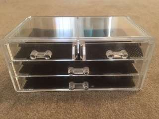 4 Draw Solid Makeup Storage Box Near New