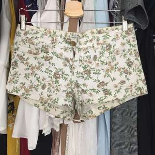 Colorbox floral shorts