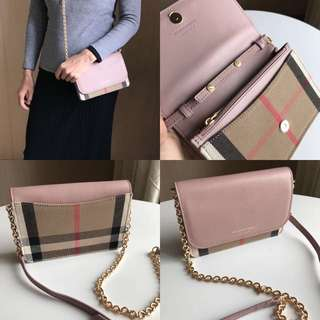 Burberry Woc Wallet on Chain in pink