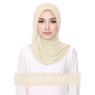 Naelofar Hijab - Fluffy Helena