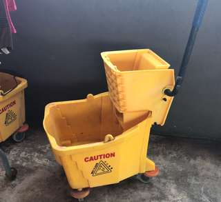 Heavy duty /commercial mop bucket with wringer