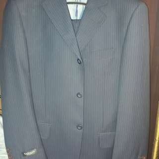 Van Heusen Men's/Teen's Suit (Med/Waist 32) Dark Blue