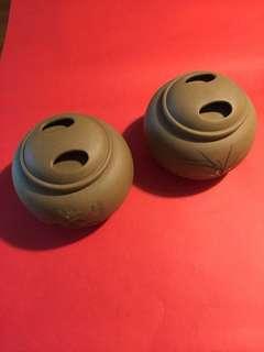 精緻紫砂普洱茶罐兩個: 如相片所示