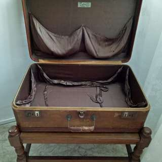 Vintage Suitcase with table