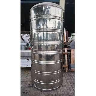 [二手大三通]3噸不銹鋼水塔(平底)