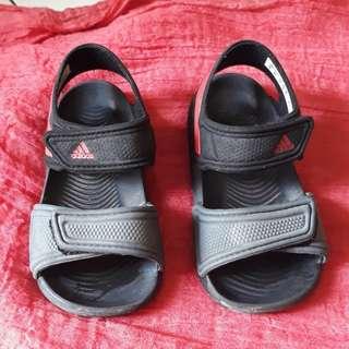 Sandal anak adidas Akwah