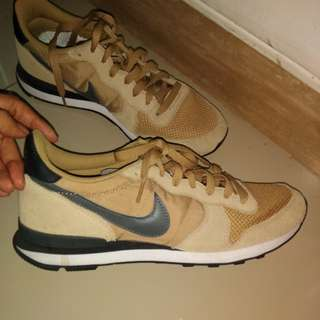 Nike running shoes.(NO BOX)