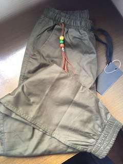 軍綠jogger 束腳褲