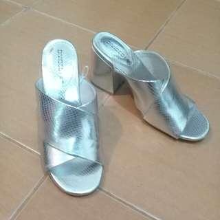 Fashion Alert!: H&M Silver Summer slip-on