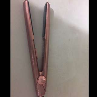 Limited Edition Rose GHD straightener