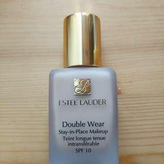 Estée Lauder Double Wear Foundation 粉底液