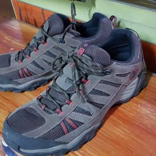 Columbia mountain shoes