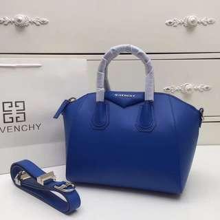Givenchy紀梵希 型號6666#GIVENCHY經典機車包👄原版牛皮專櫃銀色鋼五金相結合size28cm