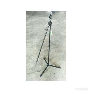 K&M Microphone Stand w/ telescopic boom arm