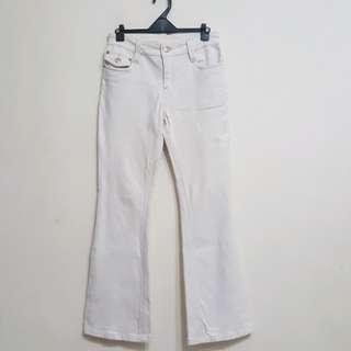 小喇叭牛仔褲(蝴蝶結)$40