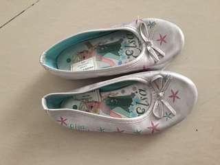 Sepatu Frozen