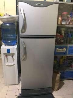 RUSH SALE!😄 CONDURA 8cu.ft Refrigerator