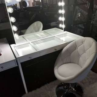 Vanity Table And Vanity Mirror set - high quality