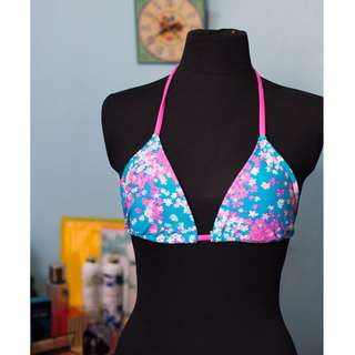 F21 Pink & blue floral swimsuit top