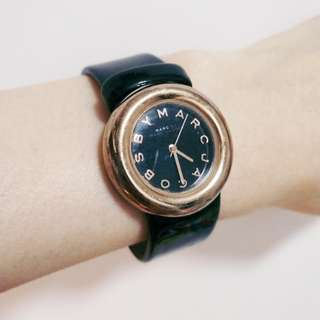 Marc Jacobs watch in black & gold