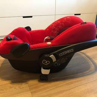 MaxiCosi Pebble Baby Car Seat