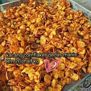 Kacang cornflakes pedas