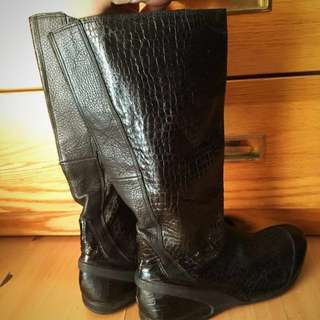 Original DKNY Black high boots. 9 inches. Black in color. With zipper