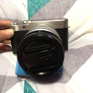 Mirrorless Fujifilm X-A10
