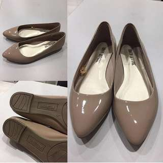 Nude Pointed Flat Shoes sz 5