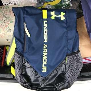 🚚 UA 後背包